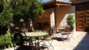 romantic-hotel-mozaira-close-to-port-saplaya